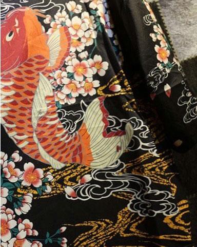 Yukata carpe koi design japonais la boutique du japon for Bebe carpe koi noir