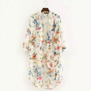 Kimono cardigan blanc aux motifs de fleurs